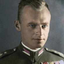 El capitán, con su uniforme polaco