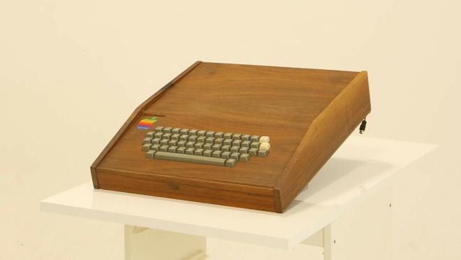 The computer comes with the original Byte Shop KOA wooden box