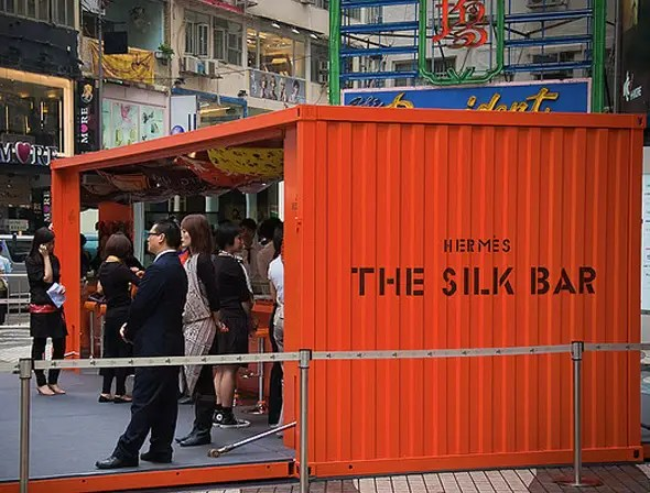 Hermes opened up a temporary silk bar in Causeway Bay.