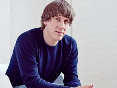 Dennis Crowley is humanized through his Twitter feed