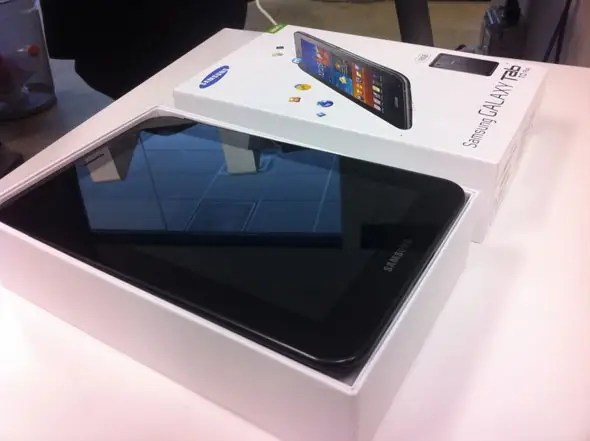 Samsung's Galaxy Tab packaging looked a lot like the packaging for Apple's iPad.