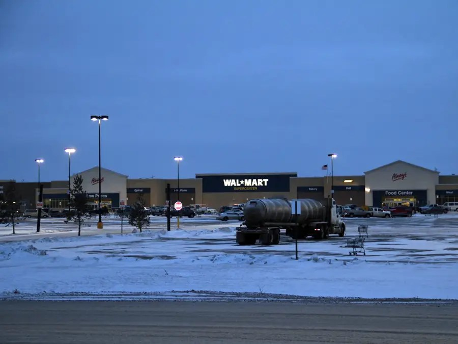 What Life Is Like In Williston The North Dakota Oil Boomtown Where Tiny Apartments Top 2000 A