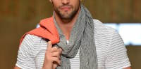 Why Men Are Wearing Scarves - Business Insider