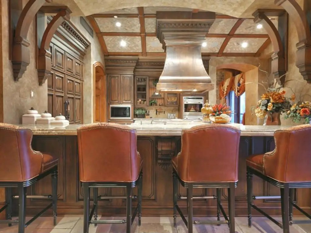 It also has bar seating, making it perfect for entertaining.