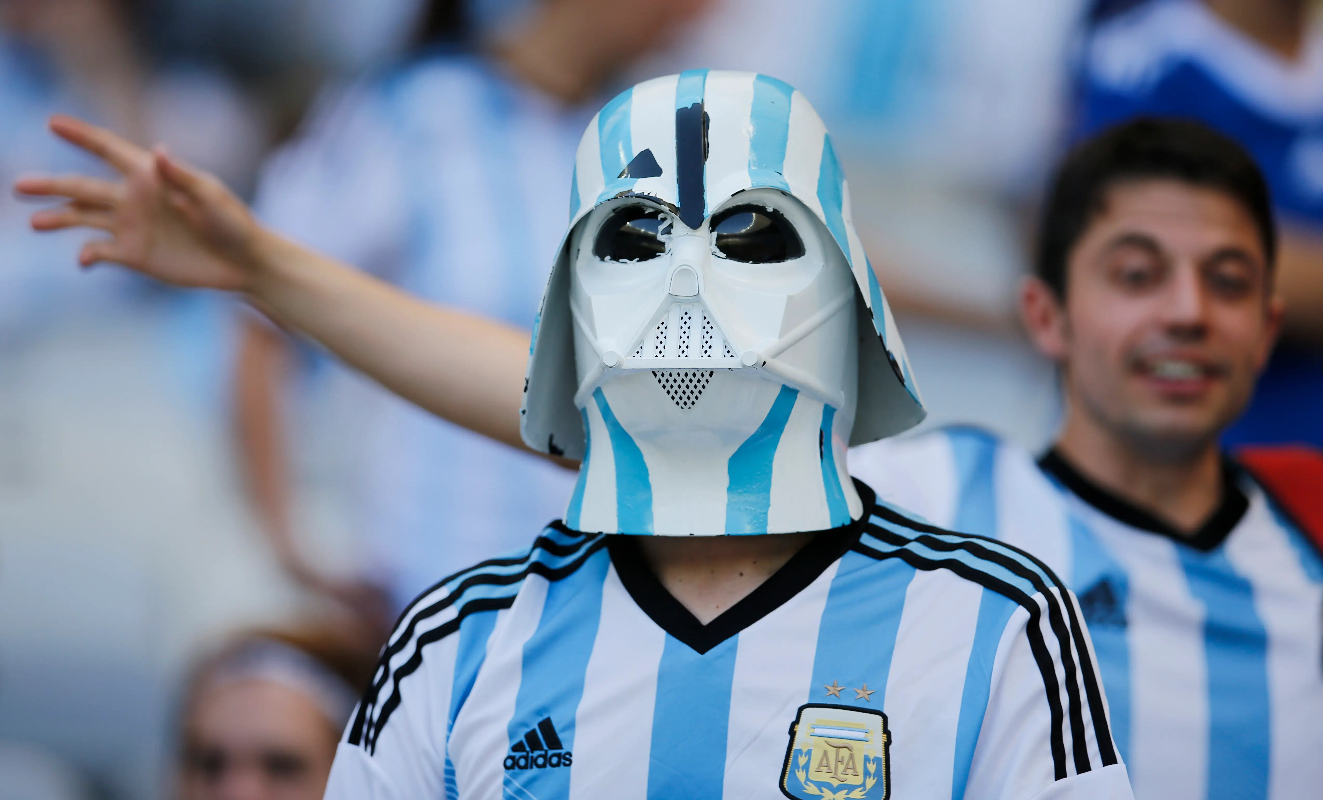 https://i0.wp.com/static4.businessinsider.com/image/53adc6f16bb3f7f47e3347bf-1200/darth-vader-is-apparently-a-fan-of-the-argentina-national-team.jpg