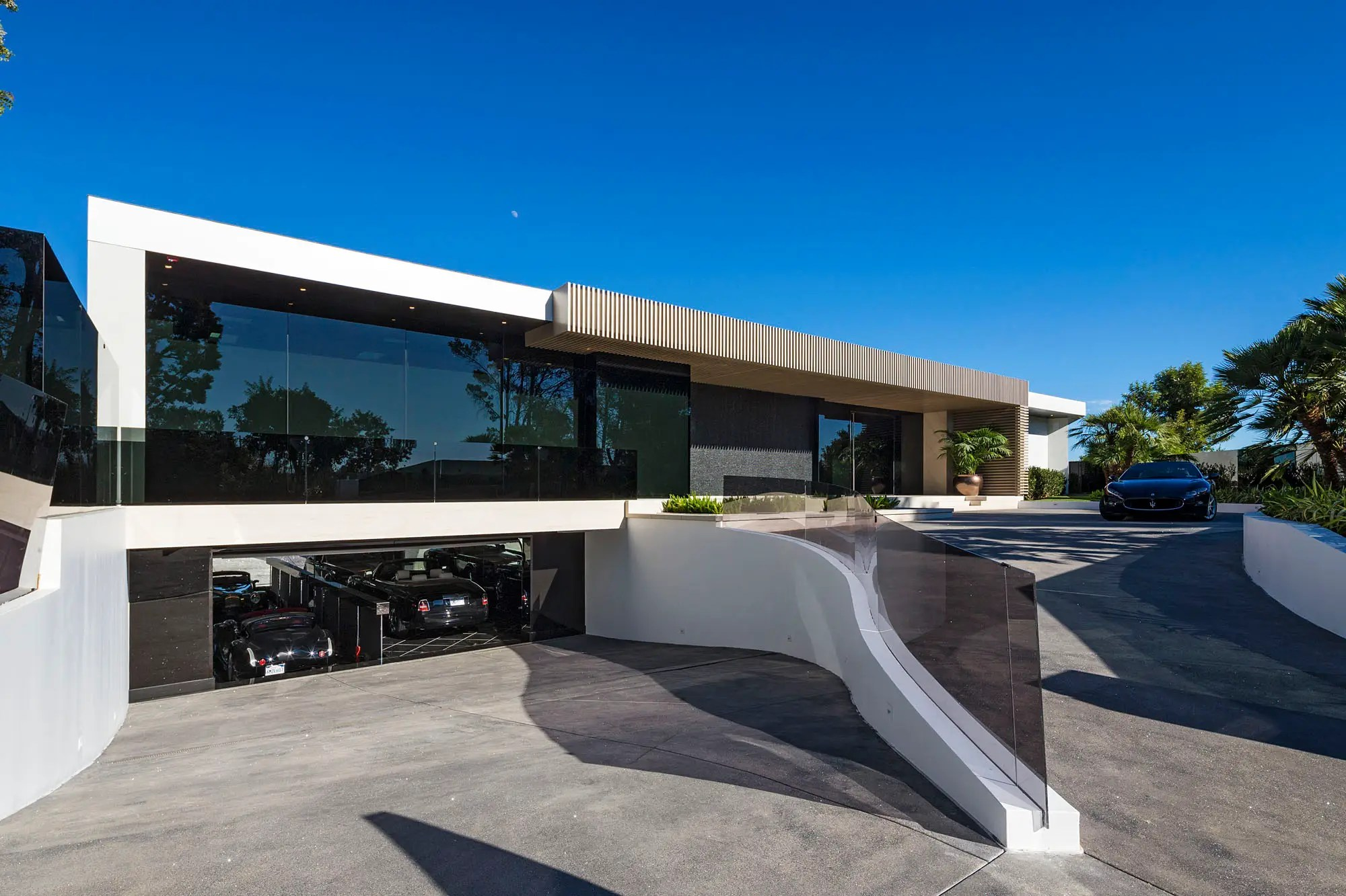 It's located in the elite Beverly Hills neighborhood of Trousdale Estates.