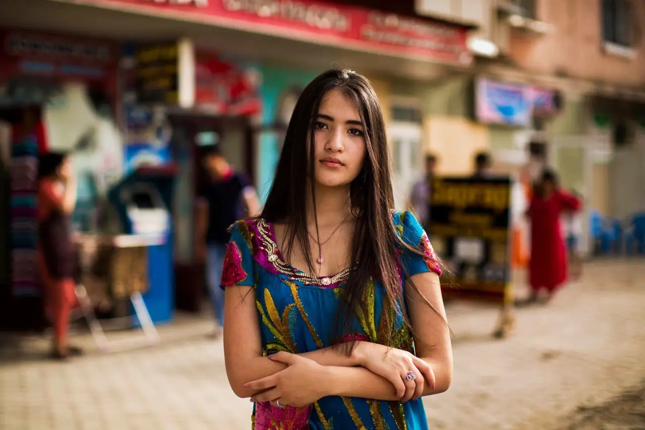 """Many people tell me how the project changed the way they see beauty and diversity,"" Noroc tells Tech Insider. A woman on the streets of Dushanbe, Tajikistan."