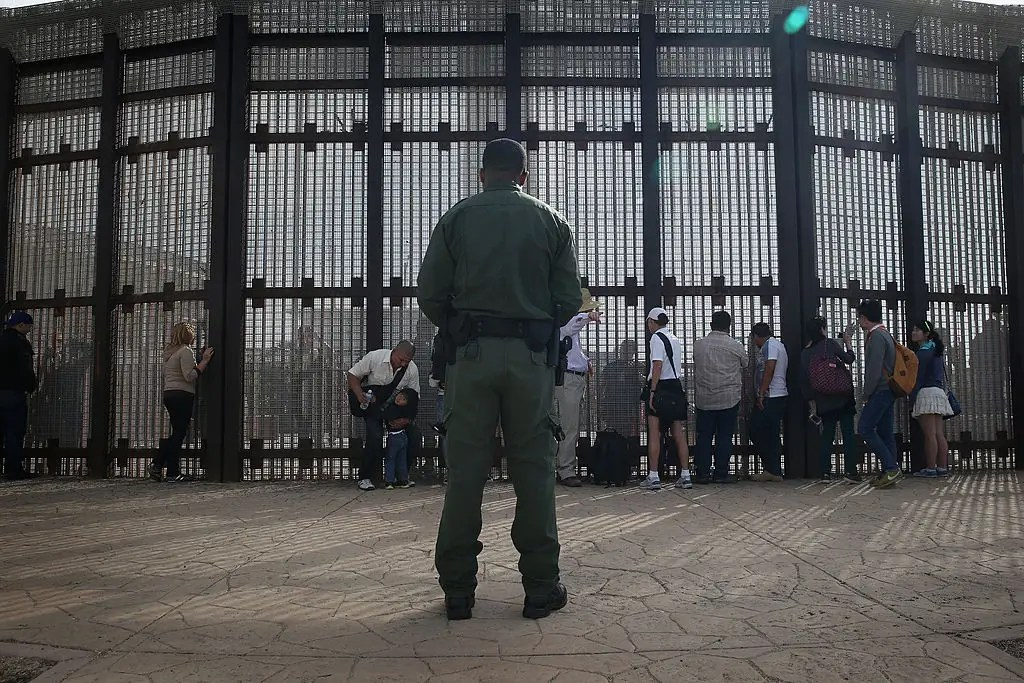 Border security became more strict in the early 1990s. In 1994,as part of theClinton administration's Operation Gatekeeper, a fence was constructed on the border between San Diego and Tijuana — including in Friendship Park.