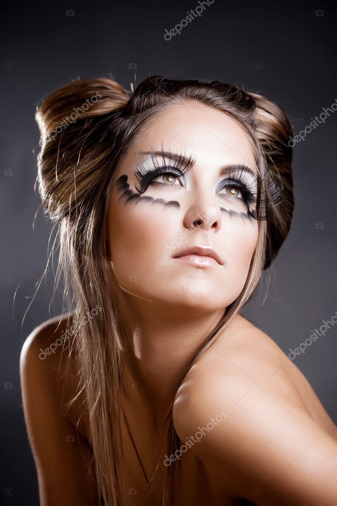 Make Up Und Frisur Für Karneval — Stockfoto © Alenkasm #2756637