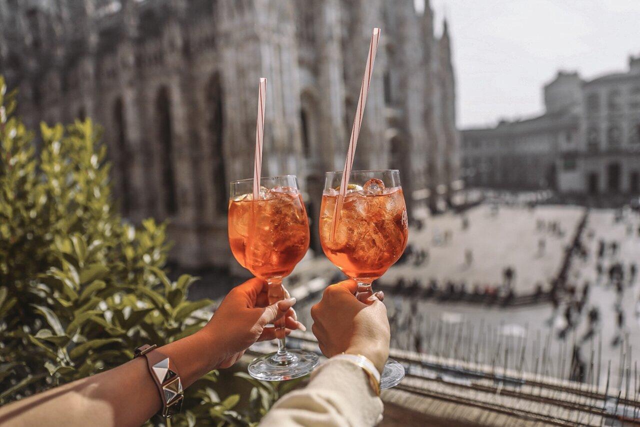 APEROLS IN MILAN