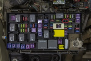 DIY Jeep Wrangler JK Isolated Dual Batteries | The Road