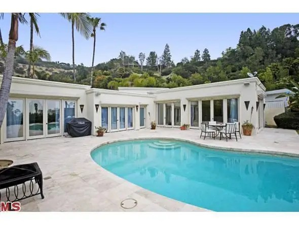 Penelope Cruz's one floor three bedroom LA home -- $3.45 million