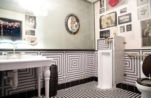 The 10 Best Public Bathrooms In America  tooshlights