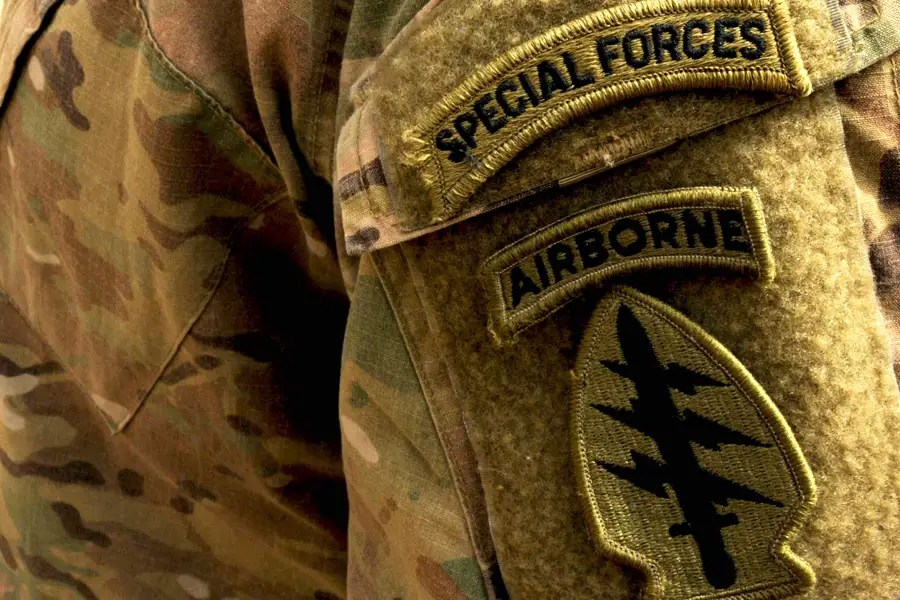 ... And earn the 'Long Tab' of the Special Forces.
