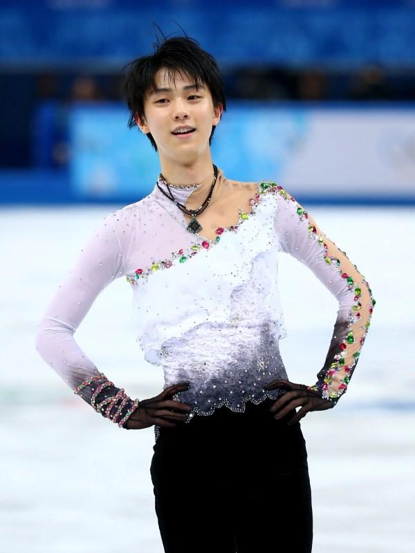 Yuzuru Hanyu Wins Gold Wearing Outfit Designed