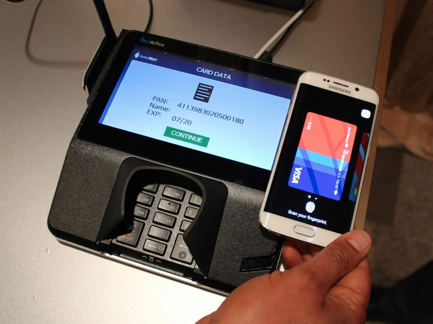 What it's like using Samsung Pay - Business Insider