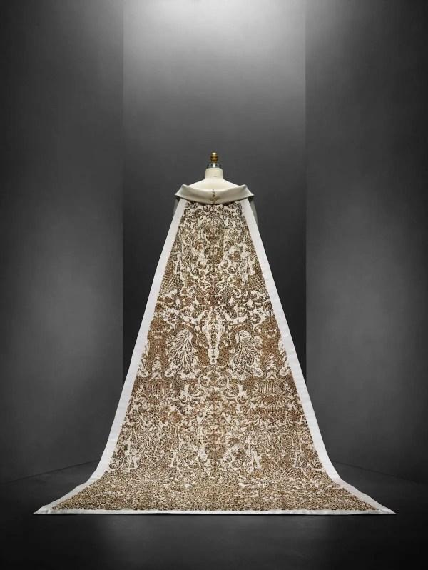 Metropolitan Museum Of Art Shows 3d Printed Dresses