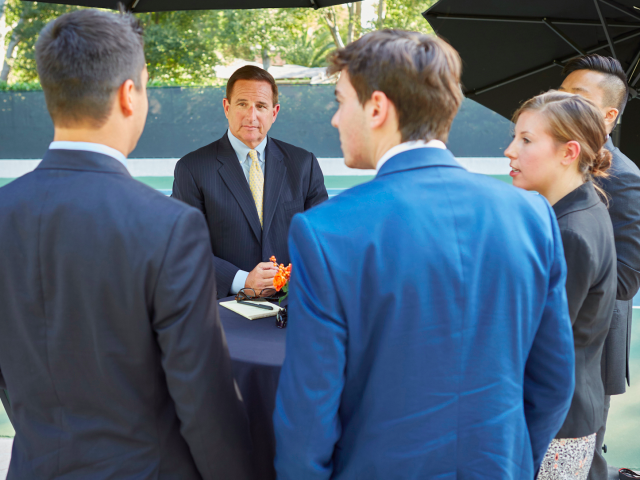 Oracle Mark Hurd with employees