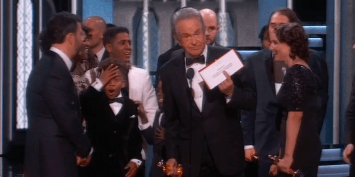 Alex R. Hibbert's reaction as Warren Beatty explains the best picture mishap is priceless.