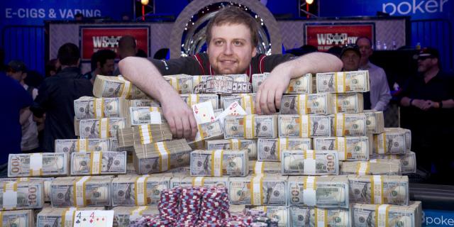 poker pot jackpot cash