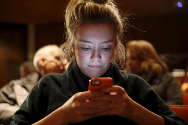 millennial gen z texting.JPG