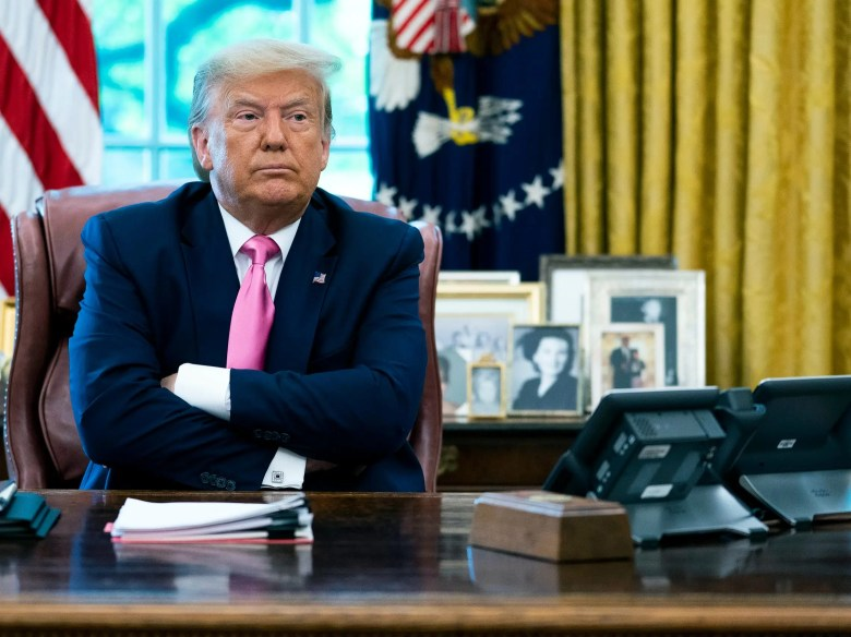 Trump White House oval office resolute desk