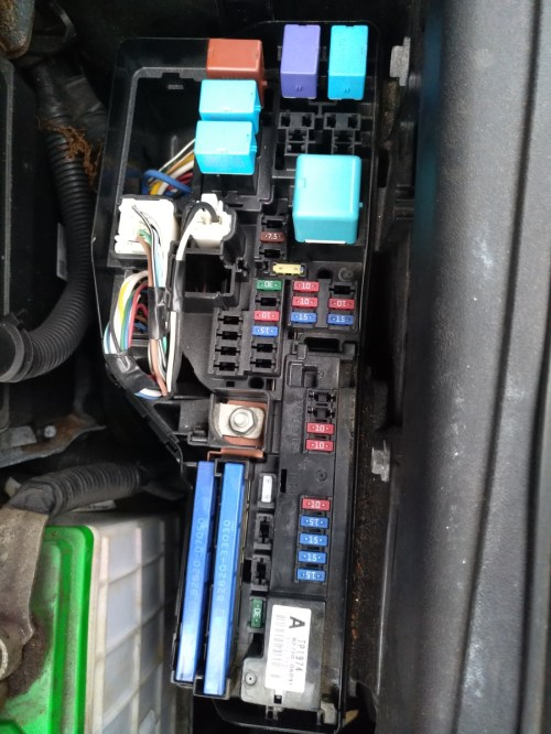small resolution of 2011 toyota prius fuse box