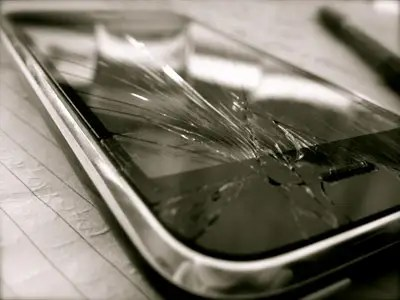 Image result for Qualities to Look For in a Repair Expert of Phone Screen Damage