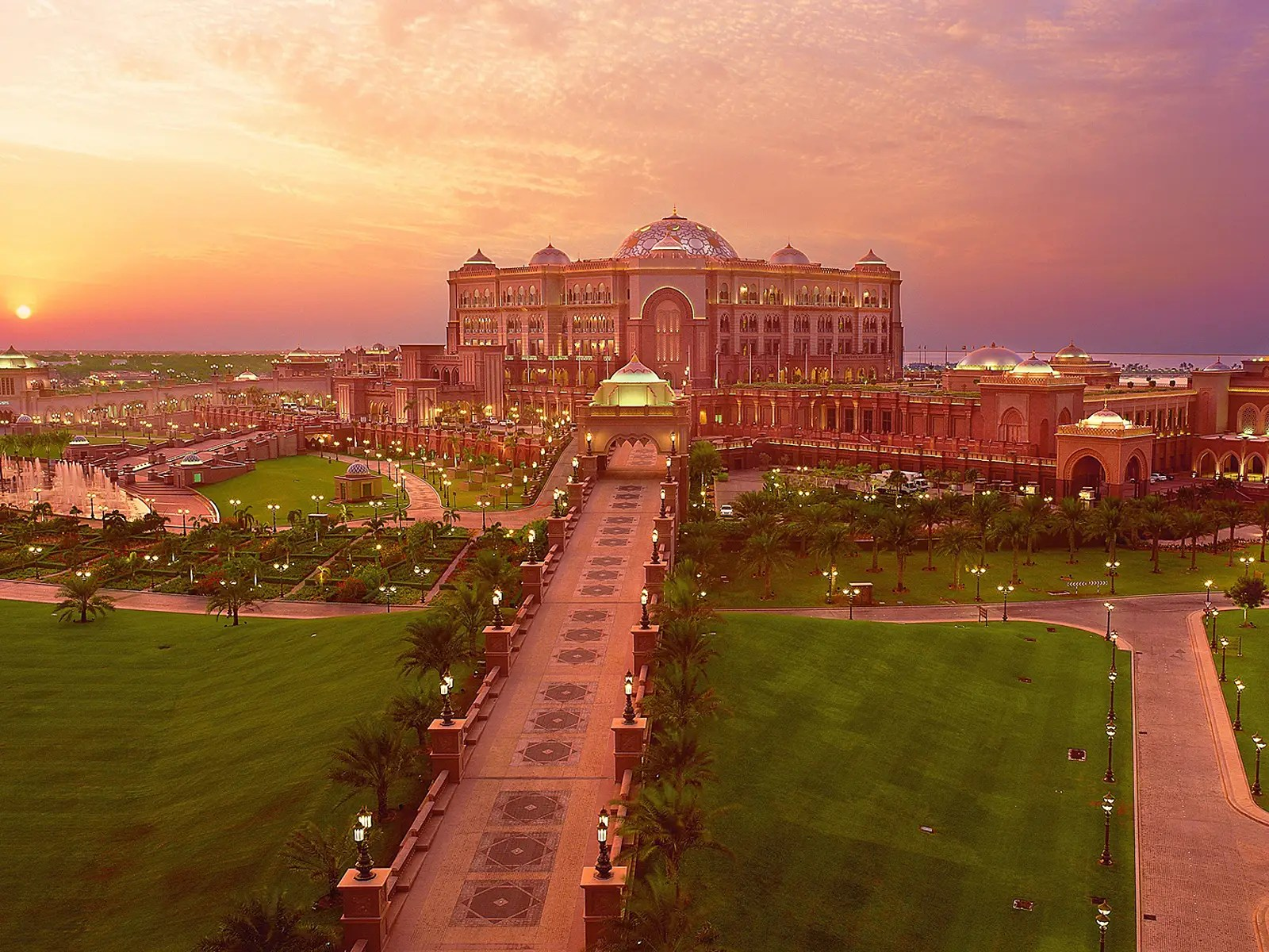 Welcome to the expansive Emirates Palace property that sits on almost 250 acres of land.