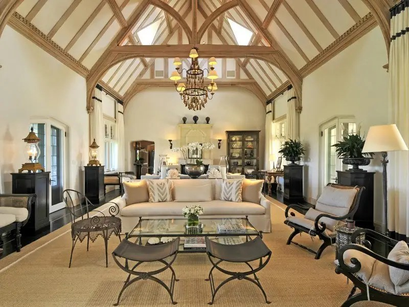Inside, the vaulted ceilings have exposed beams and sky lights.