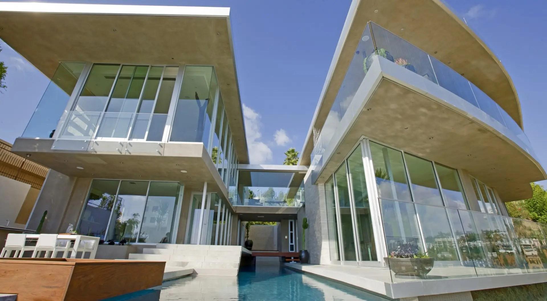 Avicii's Bird Streets mansion in Los Angeles has an impressive facade.