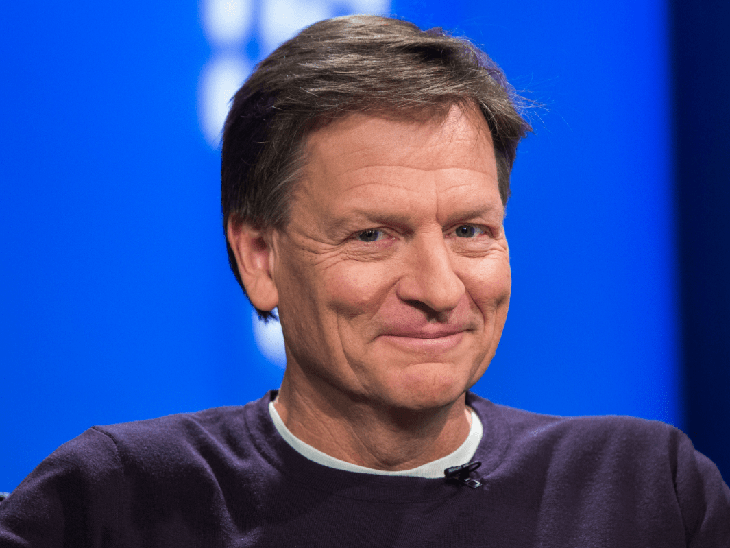 Michael Lewis prefers to write between the hours of 7 p.m. and 4 a.m.