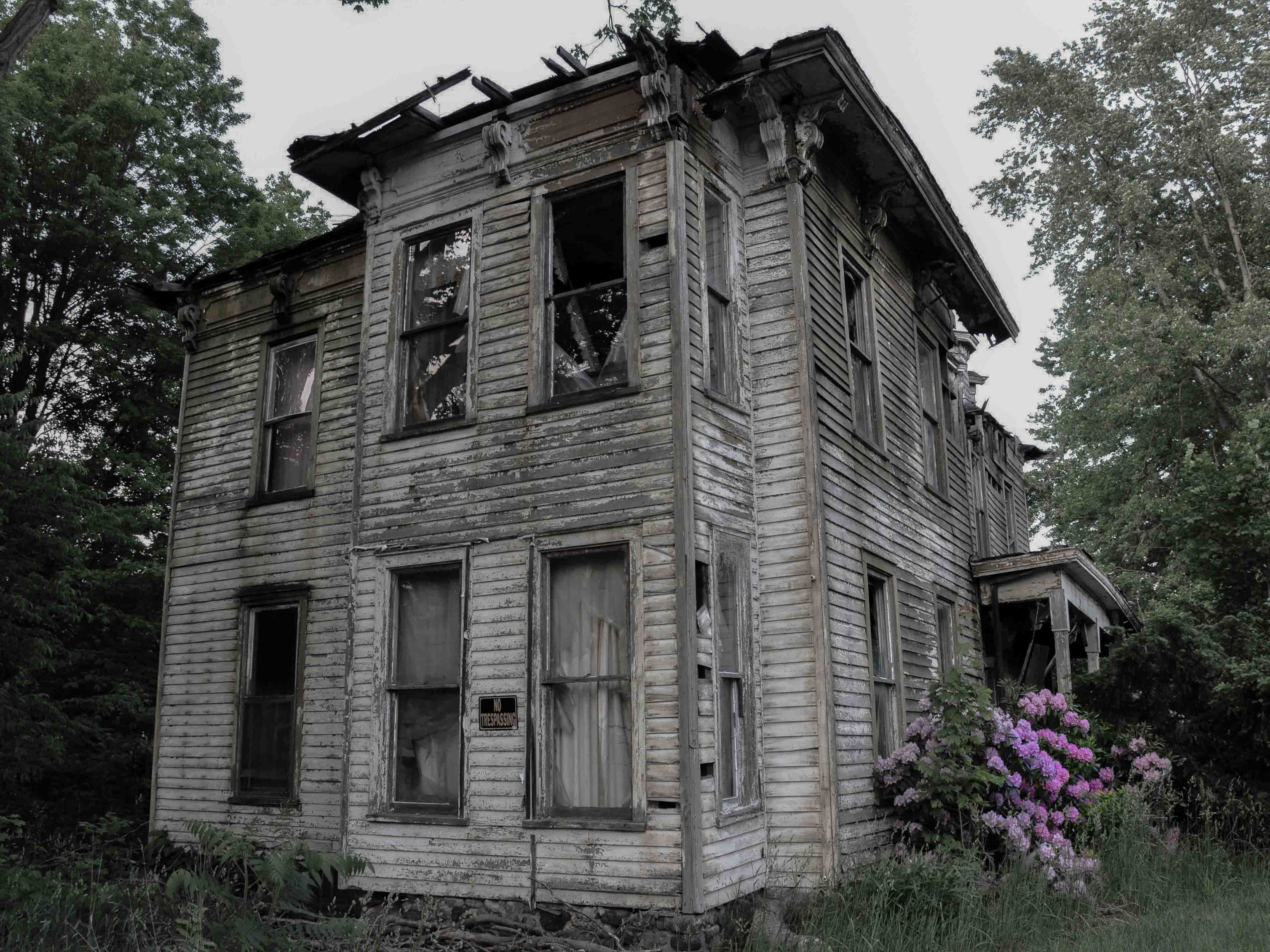 The local sheriff, Donald Caters, shot himself in 1968 after his Buffalo, New York home went into foreclosure. The vacant house has been rumored to now be haunted. Locals claim they hear voices coming from it regularly.