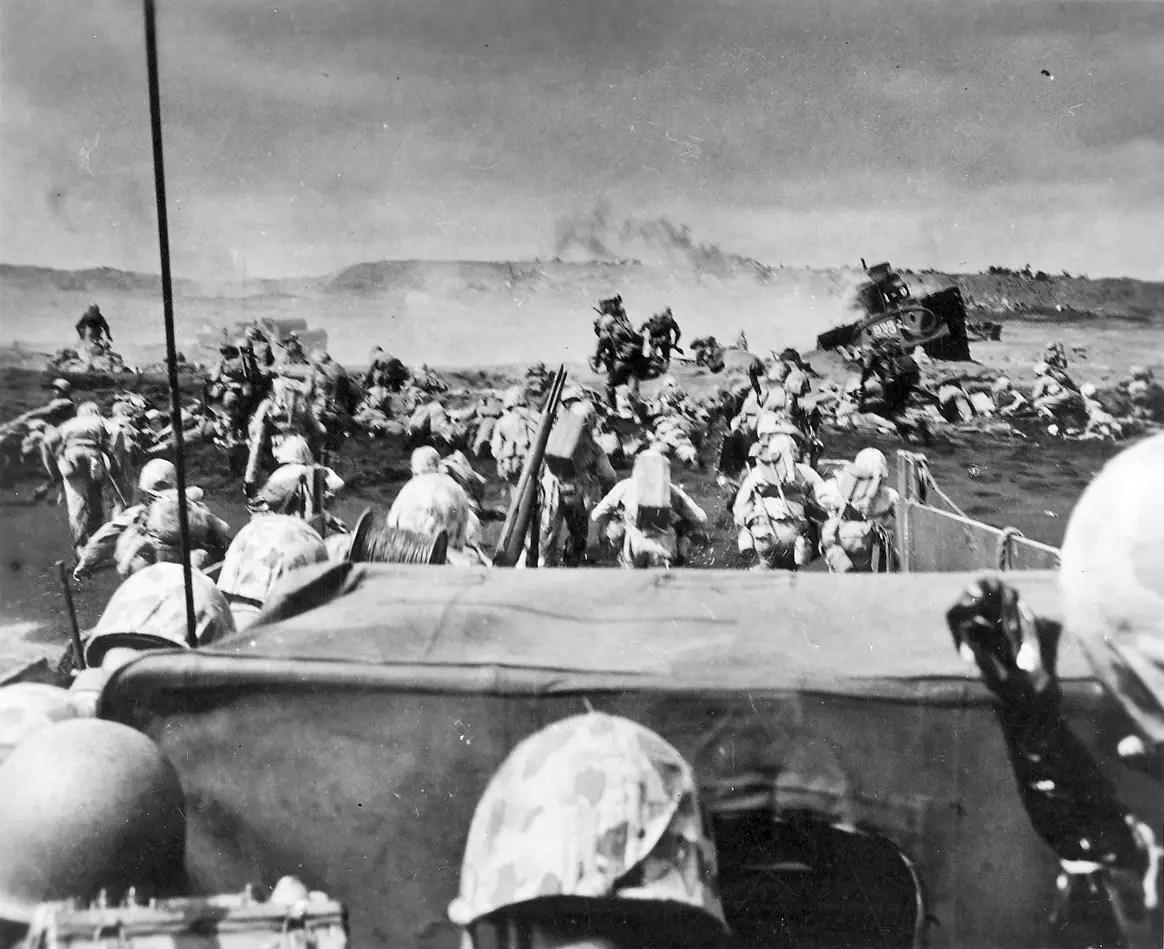 amphibious assault Iwo Jima 1945