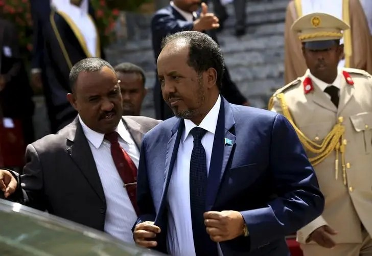 Somalia's President Hassan Sheikh Mohamud (C) walks out after attending Sudan's President Omar Hassan al-Bashir (not pictured) inauguration ceremony at National Assembly in Omdurman, June 2, 2015. REUTERS/Mohamed Nureldin Abdallah