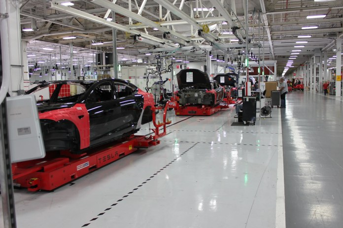 Tesla Factory  Tesla is having union problems img3208