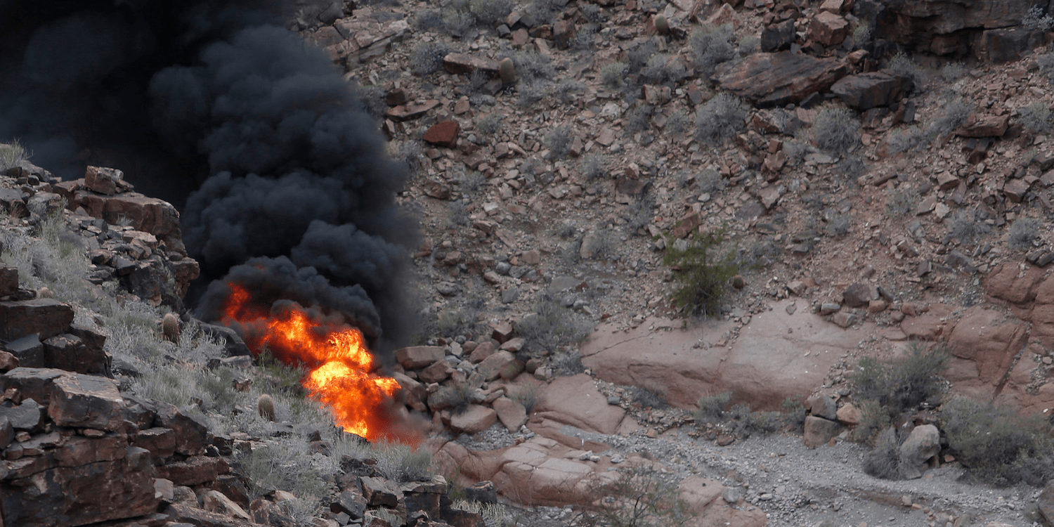 3 tourists dead in Grand Canyon helicopter crash