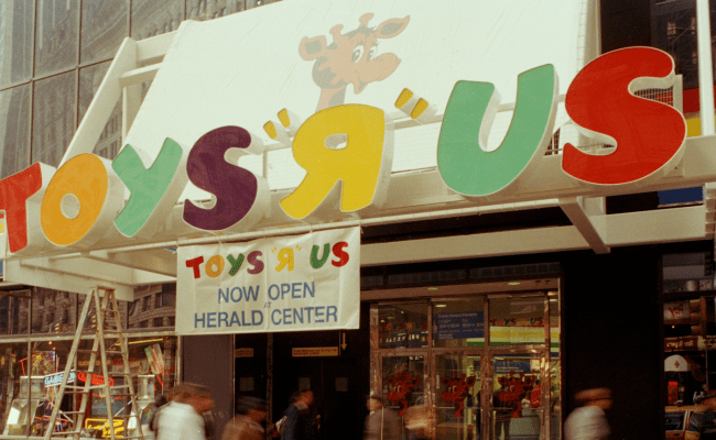 Toys R Us Closing Stores Leads To Fond Memories Photos