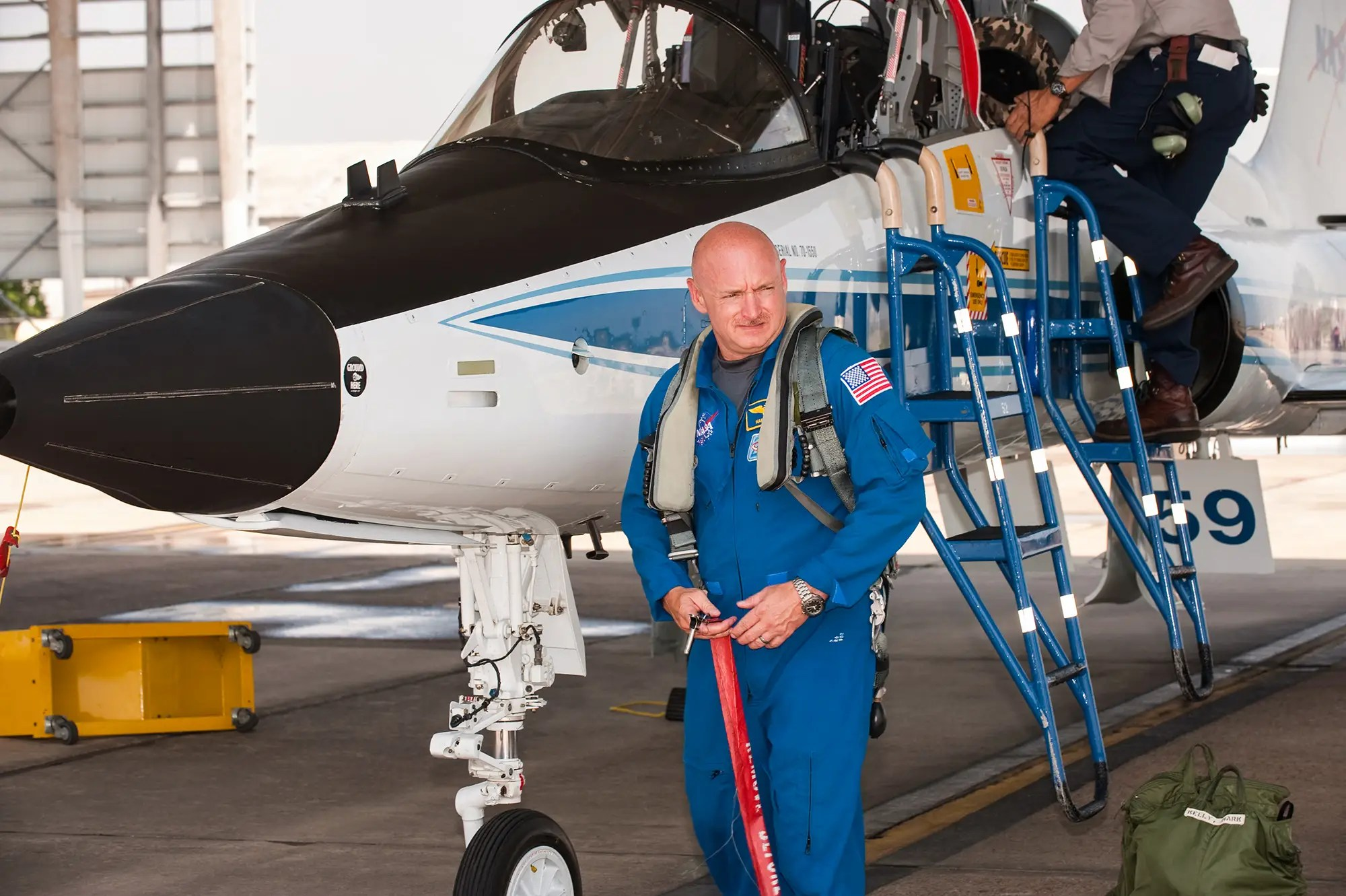 mark kelly nasa astronaut jet pilot nasa jsc2010e119542_orig