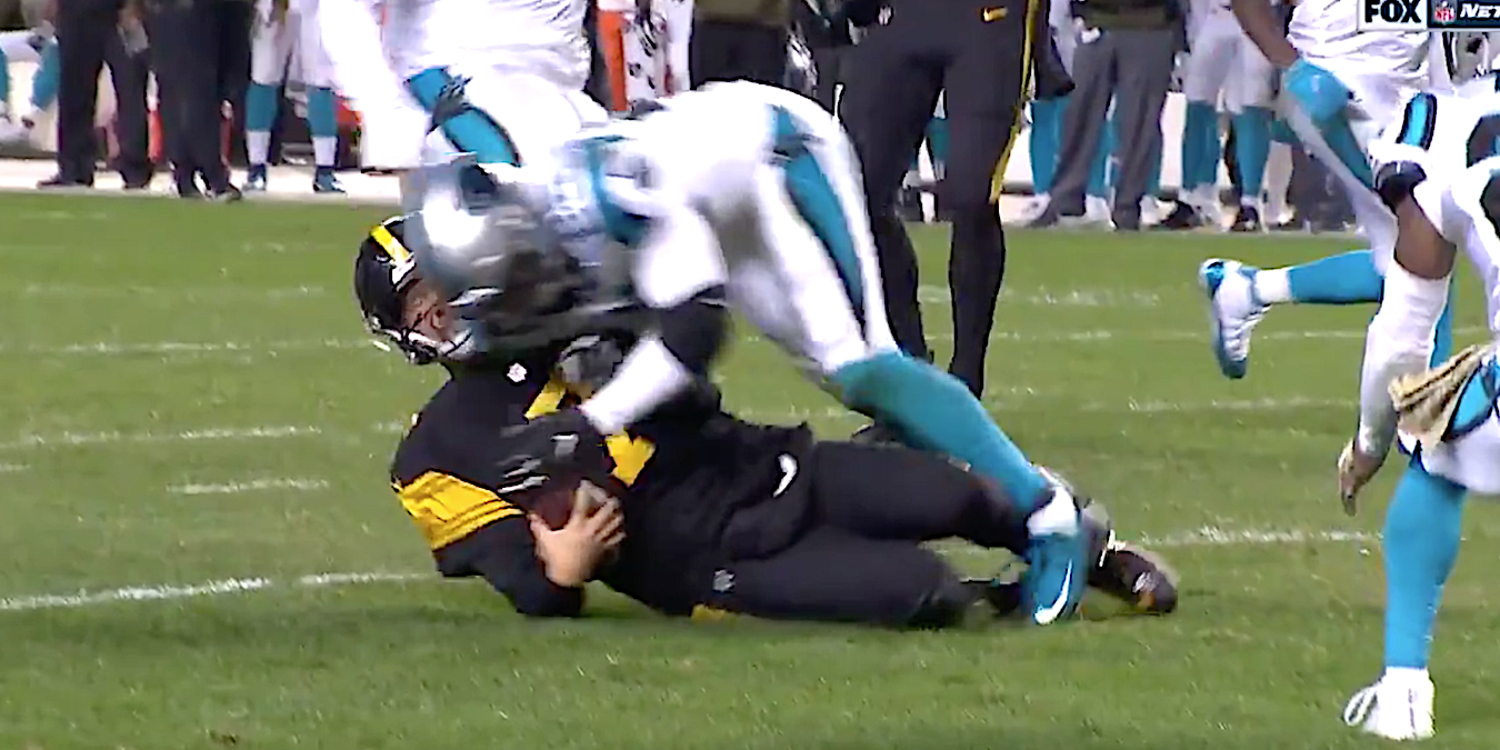 Panthers Safety Eric Reid Ejected After Making Headon Hit