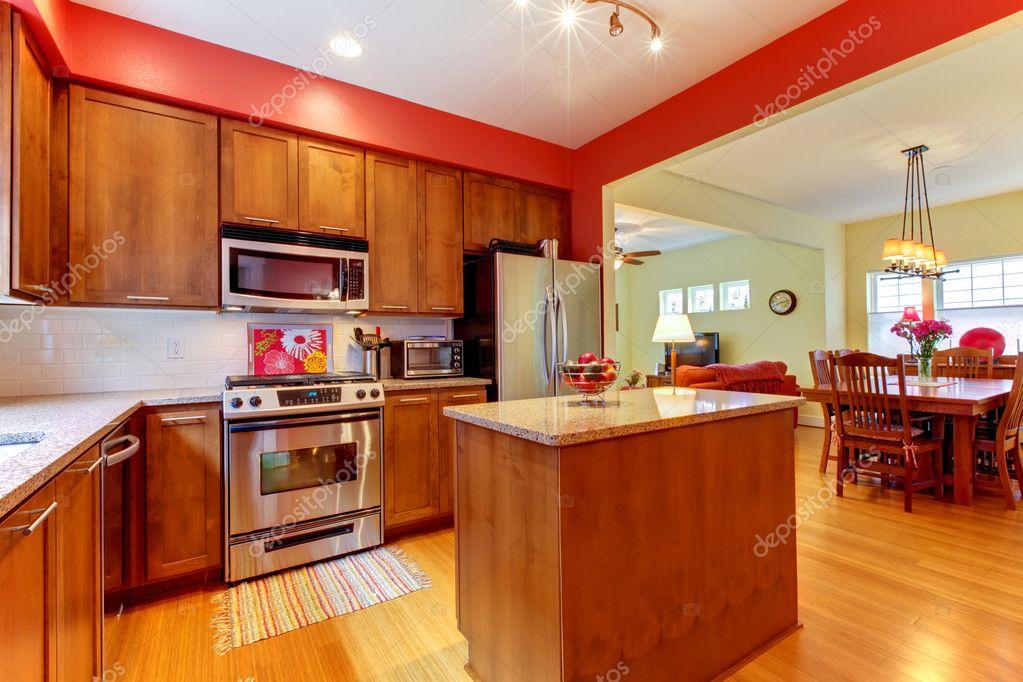 new kitchen exhaust fan commercial 美丽的木头的红色现代新厨房 图库照片 c iriana88w 7898935