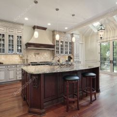 Kitchen Skylights Cape Cod Design Ideas 天窗的厨房 图库照片 C Lmphot 8670181
