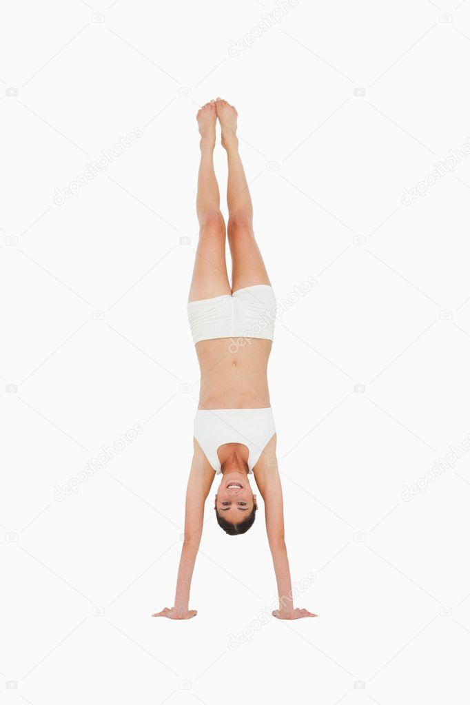 Teknik Dasar Cara Melakukan Handstand Yang Benar - Garuda