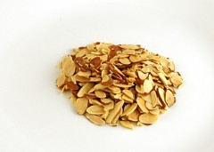 200 Calories of Sliced and Toasted Almonds