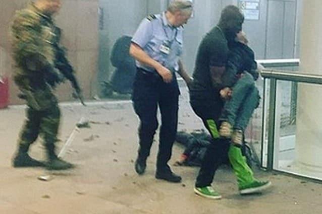 Bruxelles 32 morti un terrorista ancora in fuga Forse una vittima italiana  Fanpage