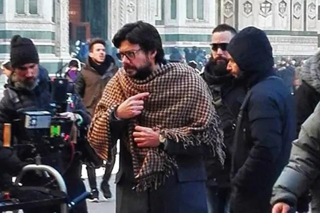 La Casa Di Carta 3 A Firenze I Fan Lottano Contro Il Freddo