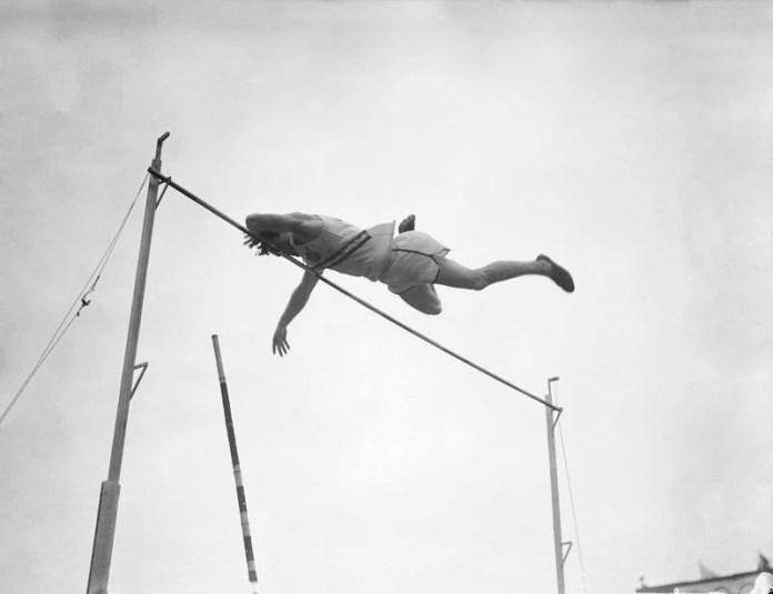 London Olympics 1948 American pole Walter Bob Richards in action.