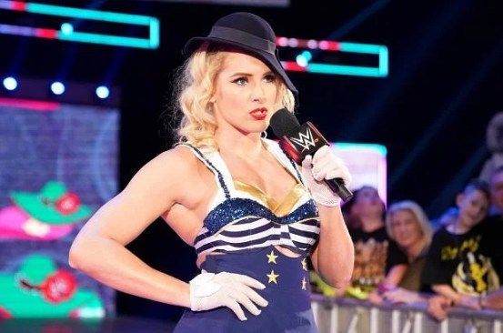 Twitter in disbelief after Lacey Evans revealed she was pregnant on WWE RAW