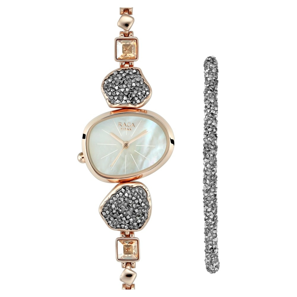 Buy Titan Raga Mother Of Pearl Special Dial Metal Strap Analog Watches For Women 95093wm02f Buy Online At Best Price In India Titan Co In Titan