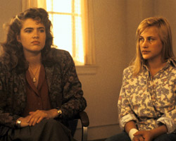Heather Langenkamp and Patricia Arquette